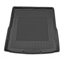 Tailored-fit anti-slip car boot liner for VW Passat estate B6/B7